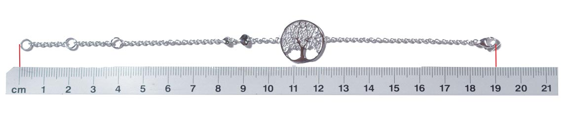Measure the size with a bracelet